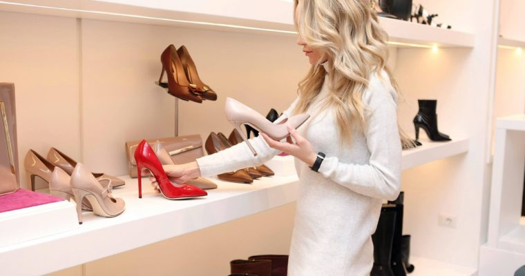 美人の計算☆婚活コーデの靴の正解は?